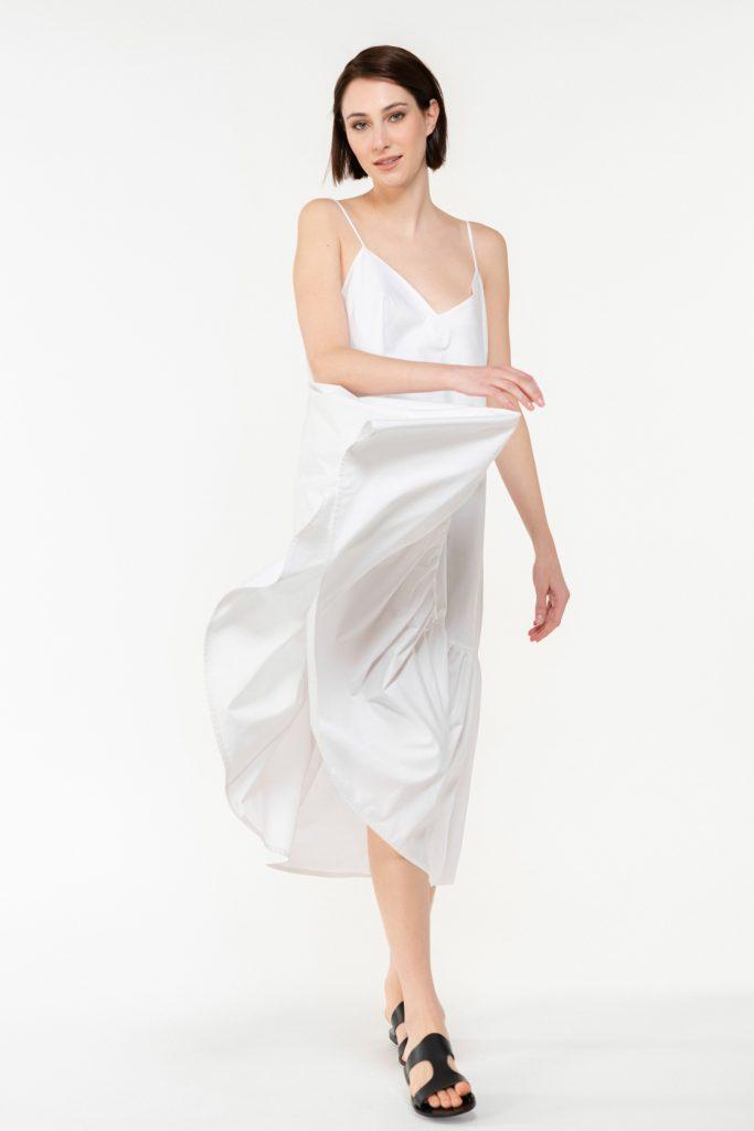 σατέν φόρεμα με λεπτές τιράντες